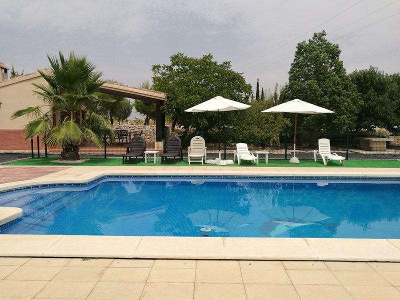 Alquiler casa rural en moratalla murcia con piscina for Alquiler casa rural piscina privada